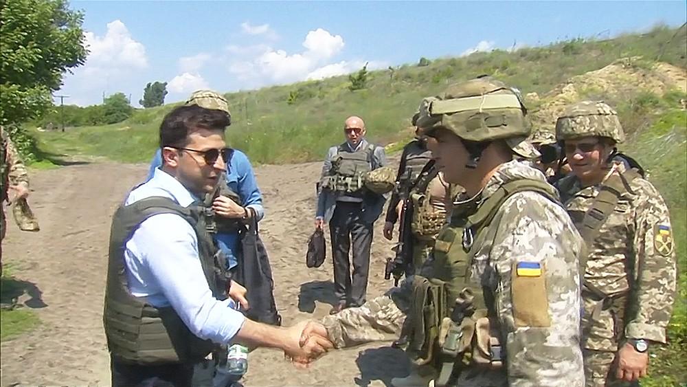 """Смотрите в 22:30 специальный репортаж """"Украина. Грабли для президента"""""""