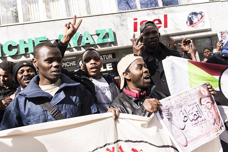Протестующие в Судане