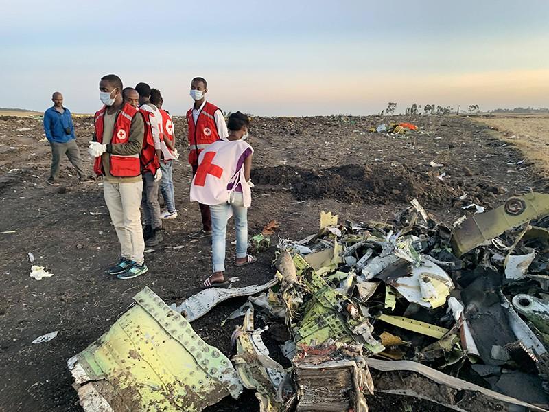 Место крушения самолета Boeing 737 MAX авиакомпании Ethiopian Airlines