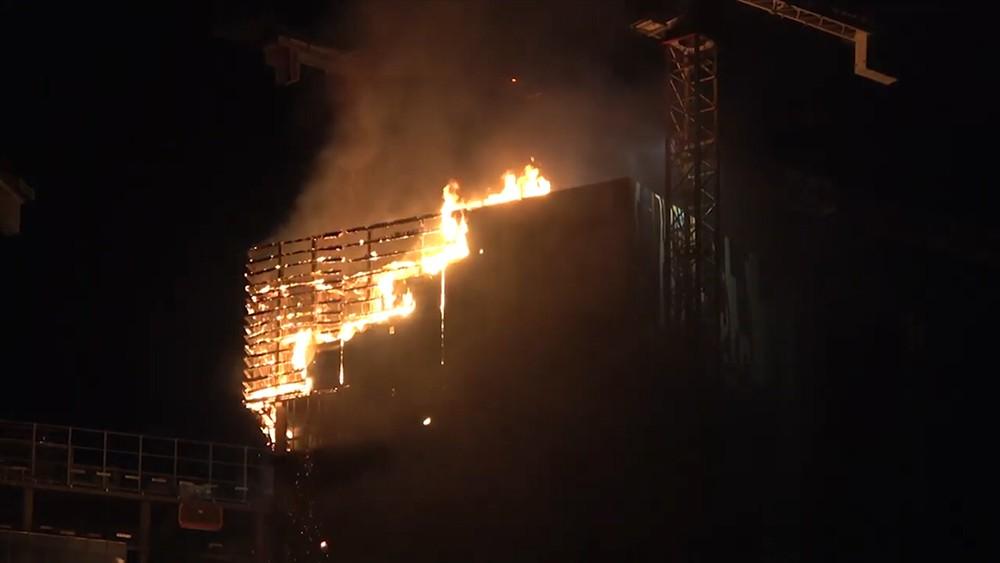 Пожар в небоскребе в Польше