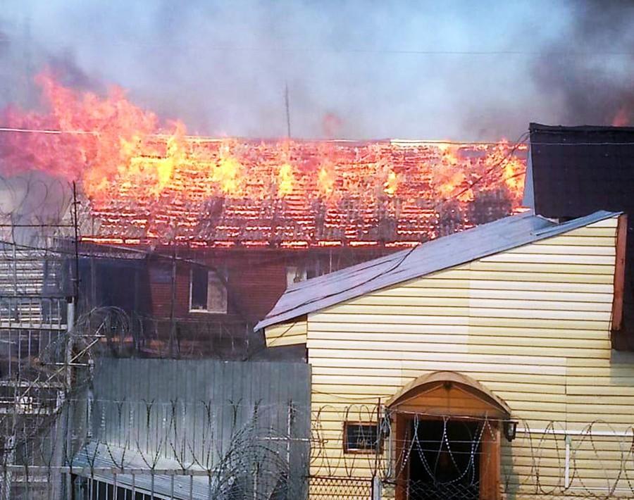 Пожар в исправительной колонии в Свердловской области