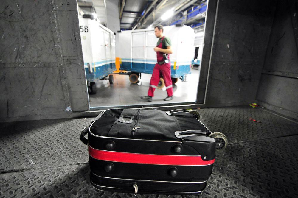 Работа багажной службы в аэропорту