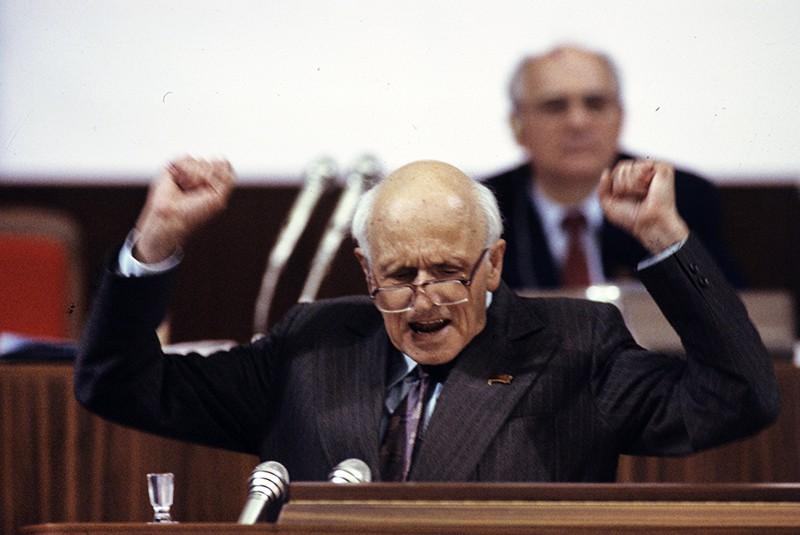Академик Андрей Дмитриевич Сахаров на Съезде народных депутатов СССР