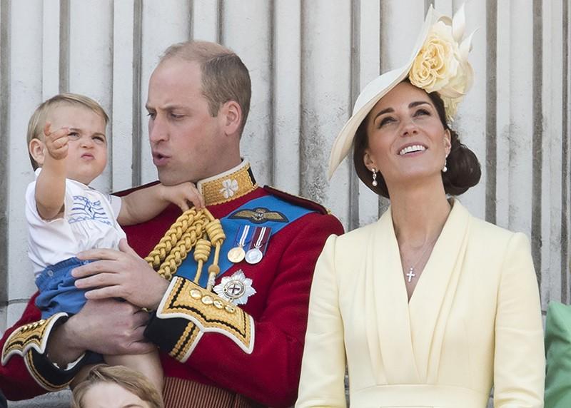 Принц Уильям с Кейт Миддлтон и сыном