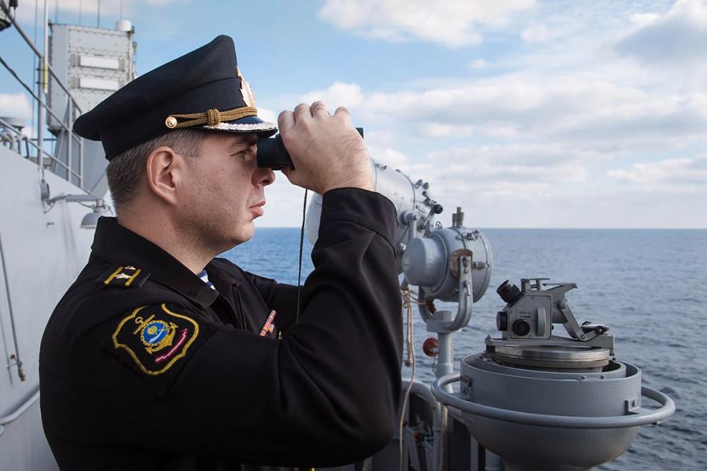 Военные моряки ВМФ России