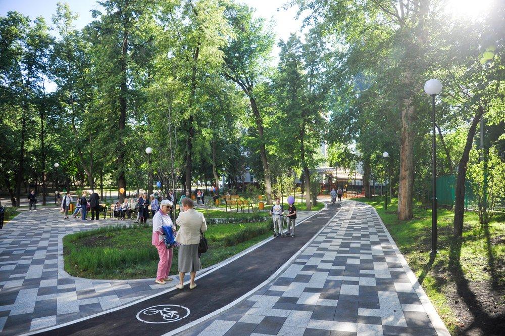 Благоустроенный по программе «Мой район» сквер в Большом Факельном переулке