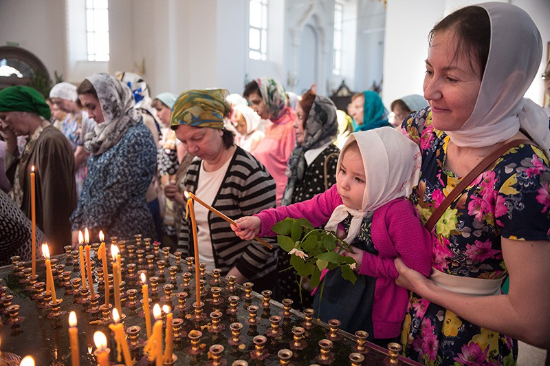 Празднование Троицы в городах России