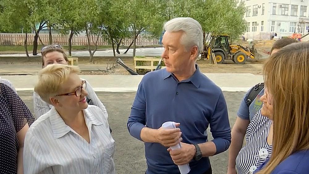 Сергей Собянин общается с москвичами