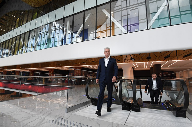 Мэр Москвы Сергей Собянин во время осмотра Центра художественной гимнастики