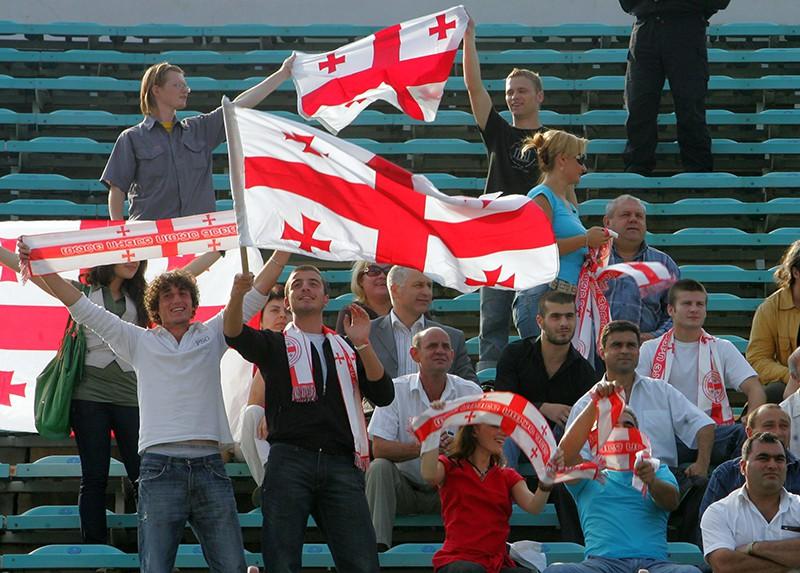 Грузинские футбольные болельщики
