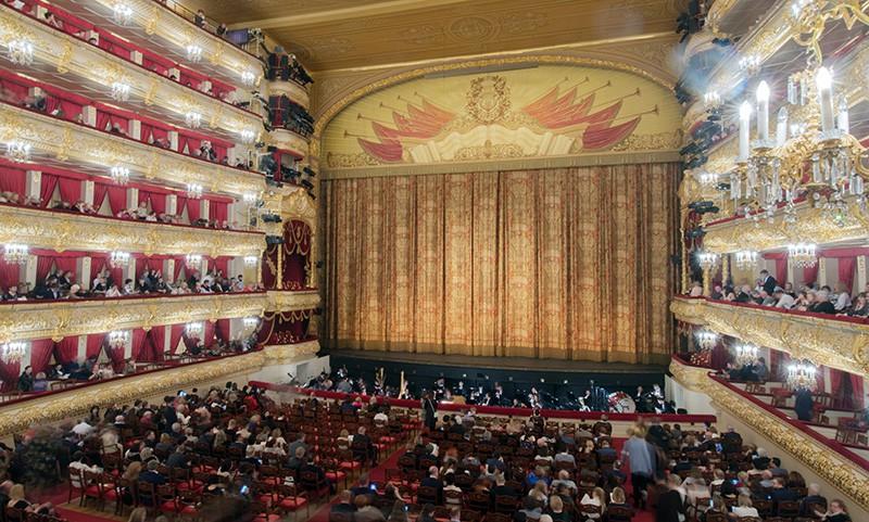 Зрительный зал Большого театра