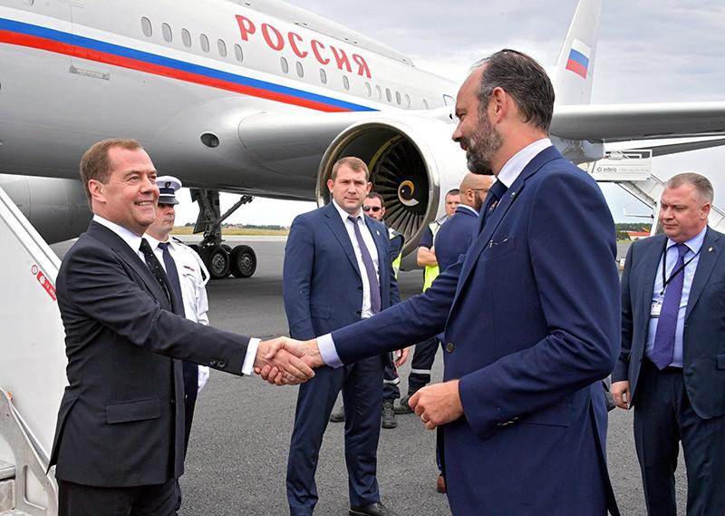 Дмитрий Медведев и премьер-министр Франции Эдуард Филипп