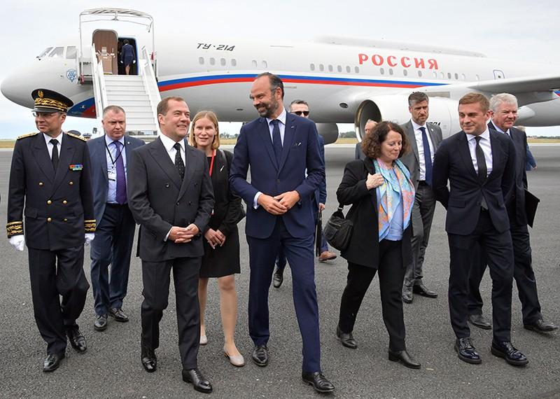 Дмитрий Медведев и премьер-министр Франции Эдуард Филипп во время встречи