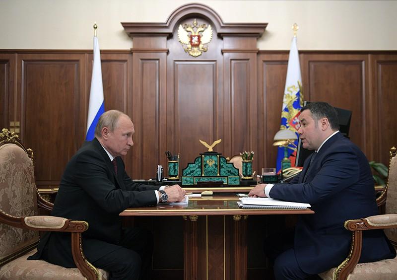 Владимир Путин и губернатор Тверской области Игорь Руденя