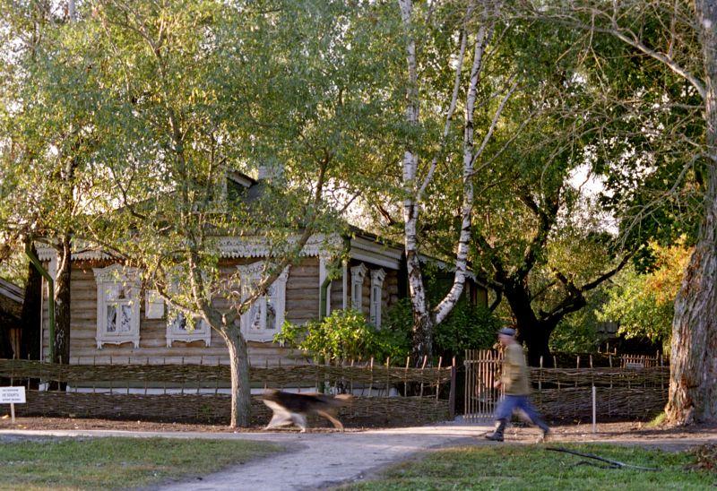Дом в котором родился и жил поэт Сергей Александрович Есенин в селе Константиново