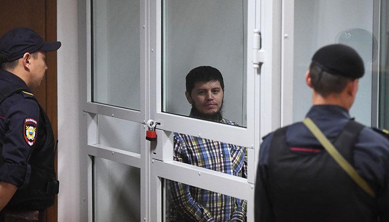Хазратхон Додохонов во время оглашения приговора в Московском областном суде