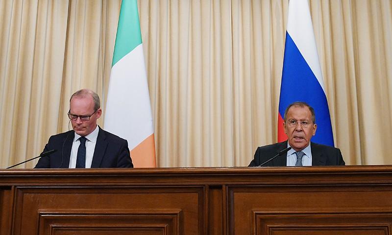 Глава МИД России Сергей Лавров и глава МИД и торговли Ирландии Саймон Ковни