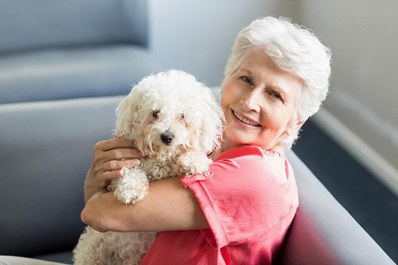 Пенсионерка с собачкой