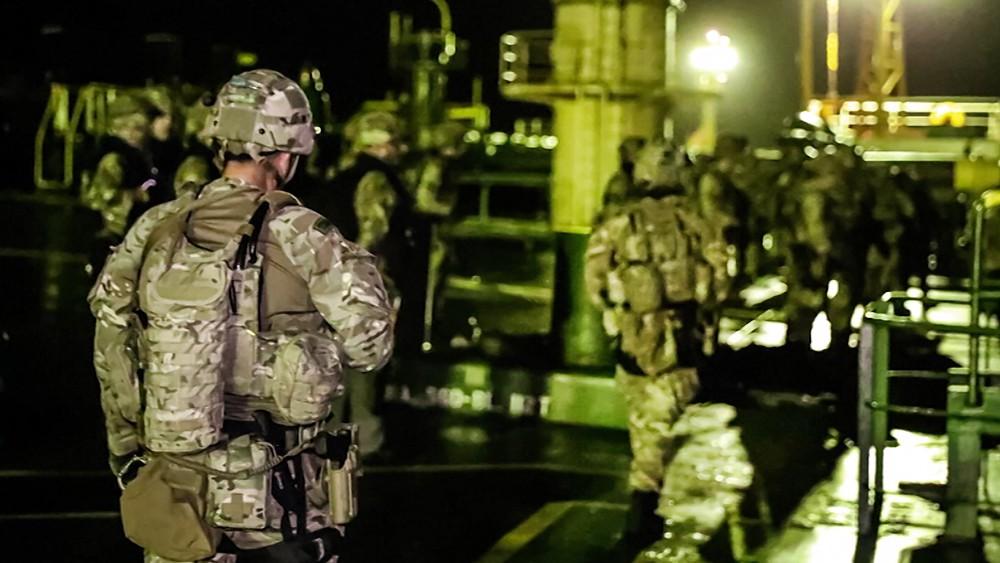 Спецназ Великобритании проводит спецоперацию