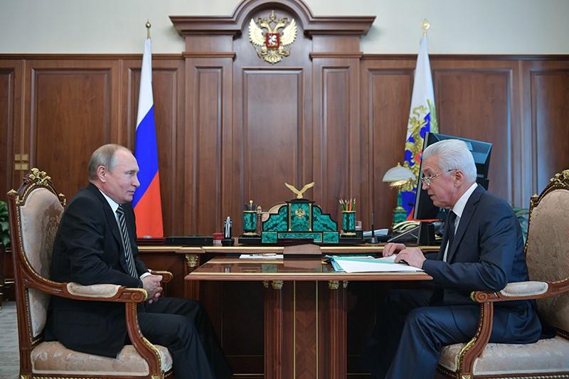 Владимир Путин и глава республики Дагестан Владимир Васильев