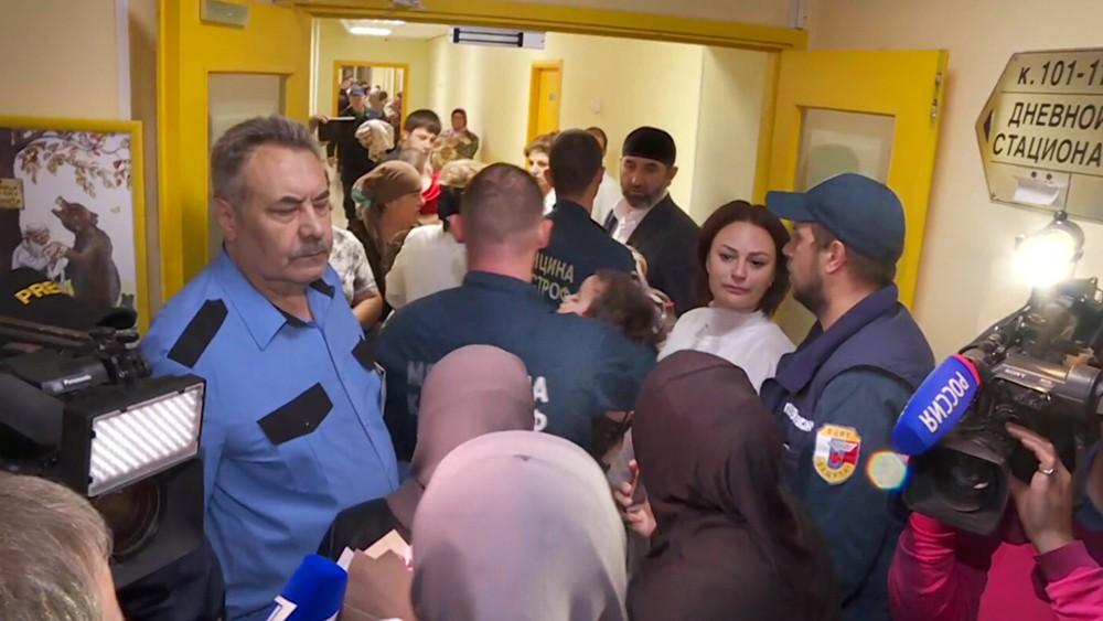 Спасатели МЧС доставили детей из Ирака в Российскую больницу