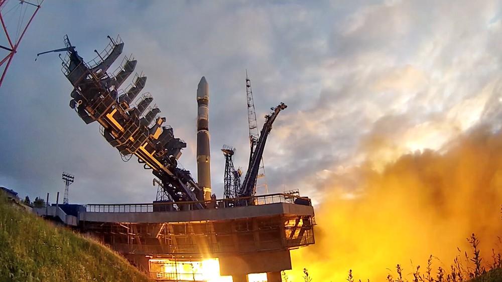 """Запуск ракеты-носителя """"Союз-2.1В"""""""