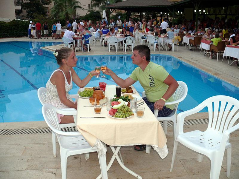 Ужин в турецком отеле