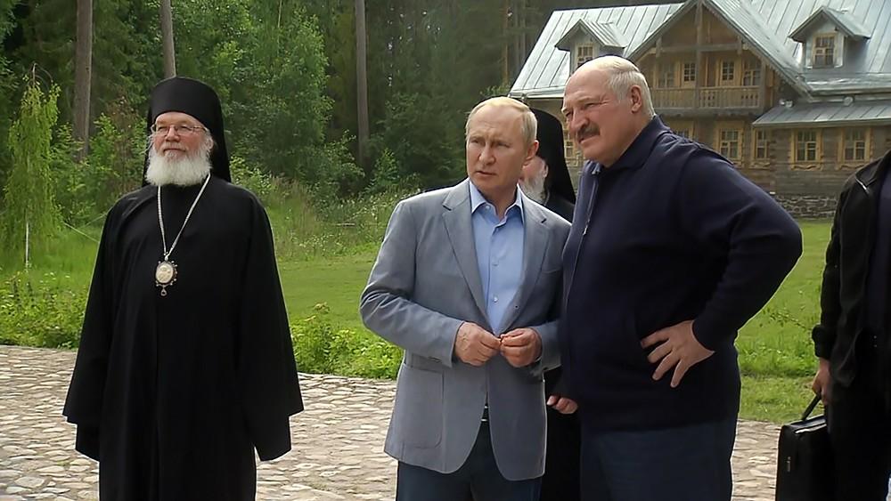 Владимир Путин и Александр Лукашенко посетили Спасо-Преображенский Валаамский мужской монастырь