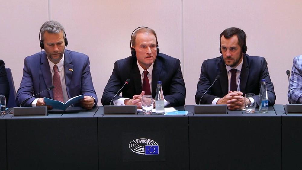 Картинки по запросу Медведчук в Европарламенте