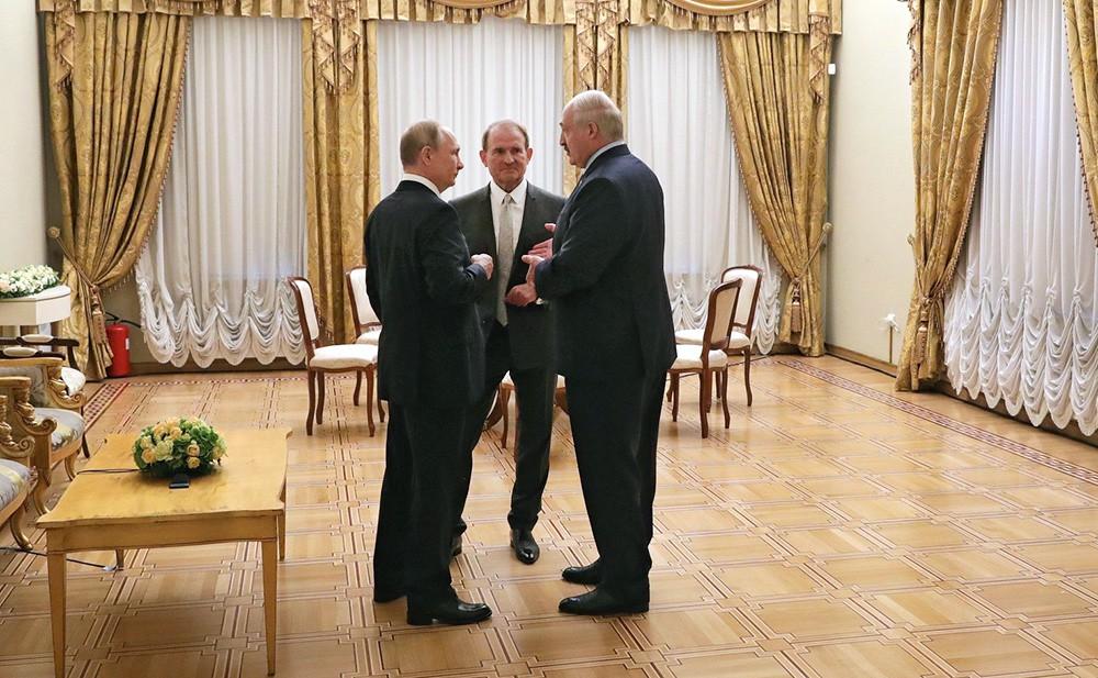 Владимир Путин, Виктор Медведчук и Александр Лукашенко