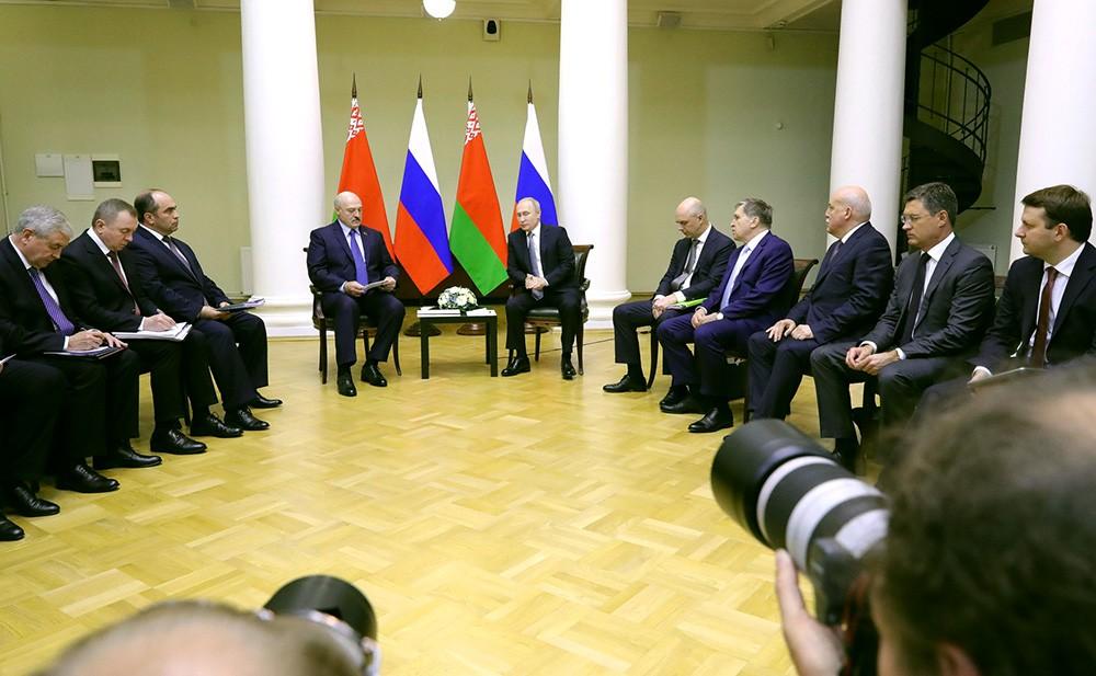 Владимир Путин и Александр Лукашенкодимир