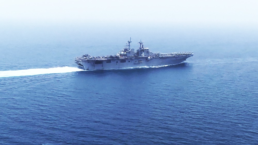 Корабль ВМС США Boxer