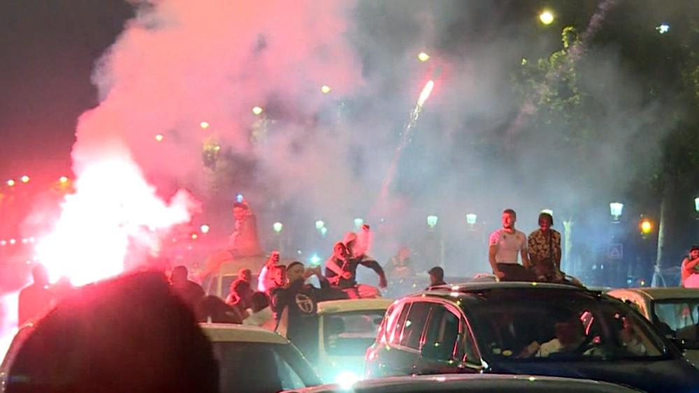 Уличные беспорядки в Париже