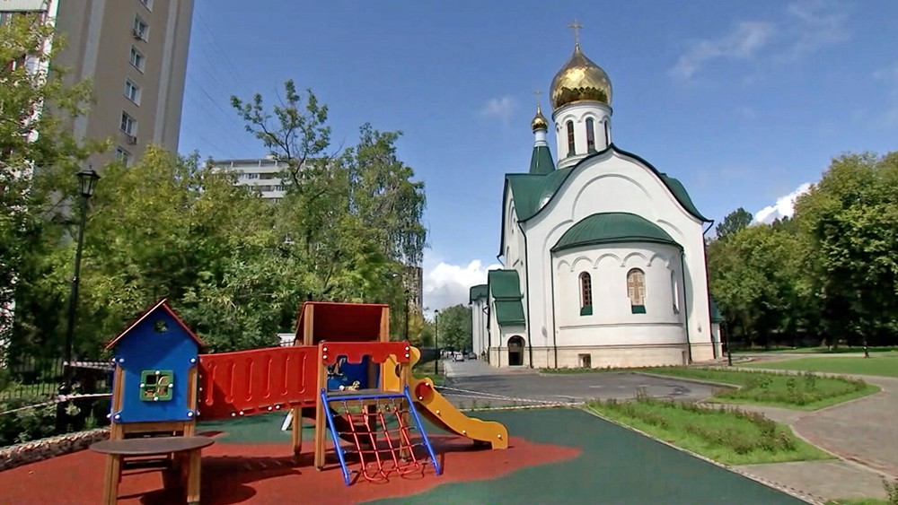 Храм в честь Дмитрия Солунского в Москве