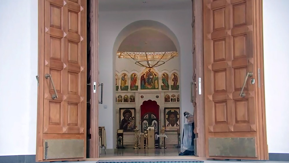 Двери храма