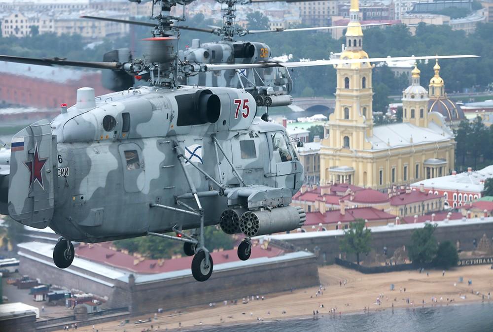 Репетиция Главного военно-морского парада в Санкт-Петербурге
