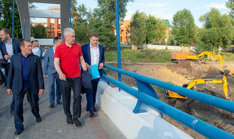 Сергей Собянин ознакомился с ходом благоустройства детского Черкизовского парка