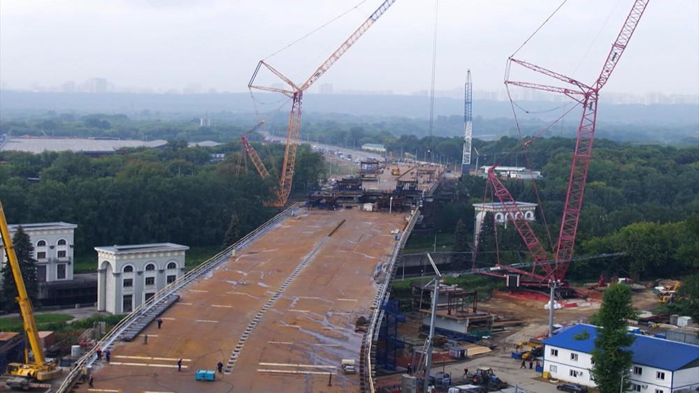 Cтроительство балочного моста в Мневниковской пойме