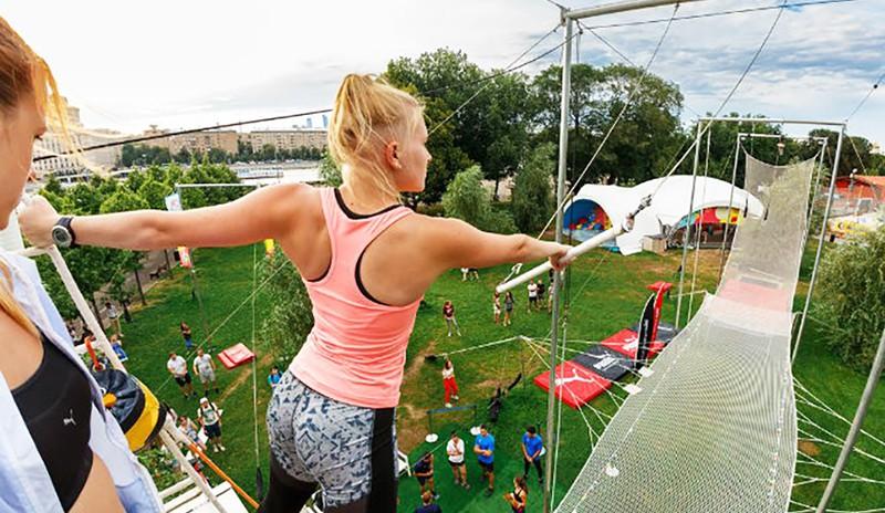 Воздушные гимнасты в Парке Горького