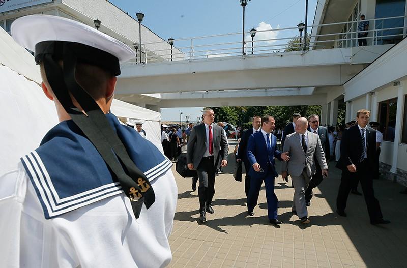Дмитрий Медведев после посещения парада кораблей в Севастополе