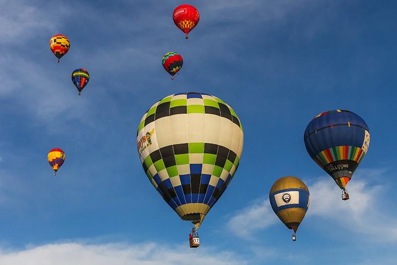 Фестиваль шаров во Франции
