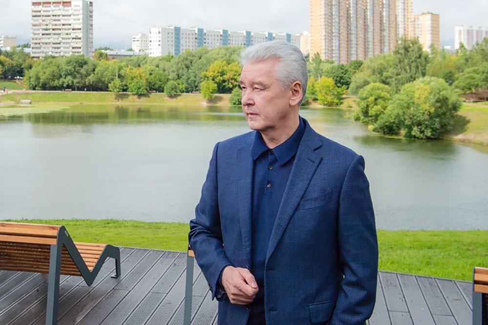 Сергей Собянин осмотрел ход благоустройства парка