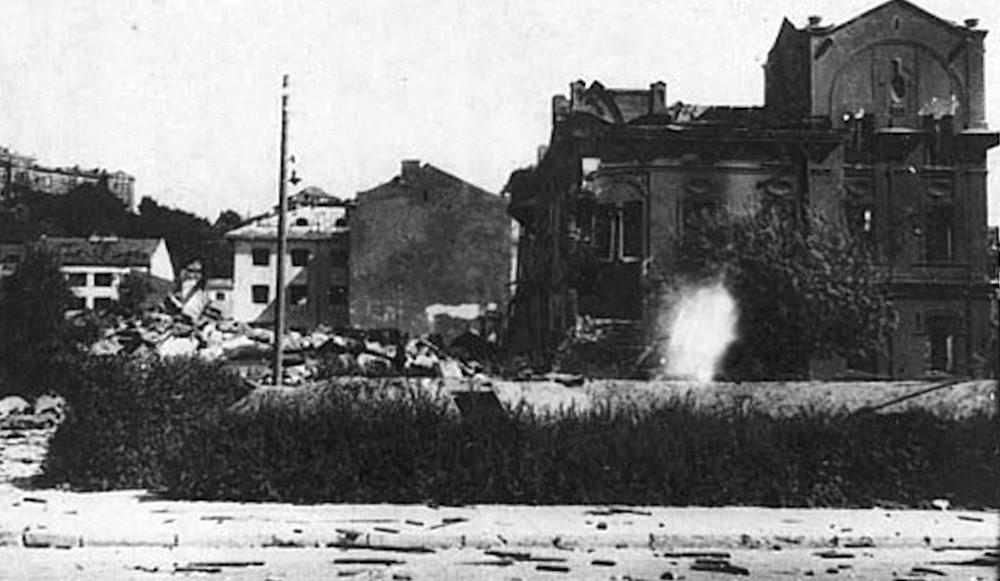 Архивные кадры Второй мировой войны. Разрушенный Литовский город