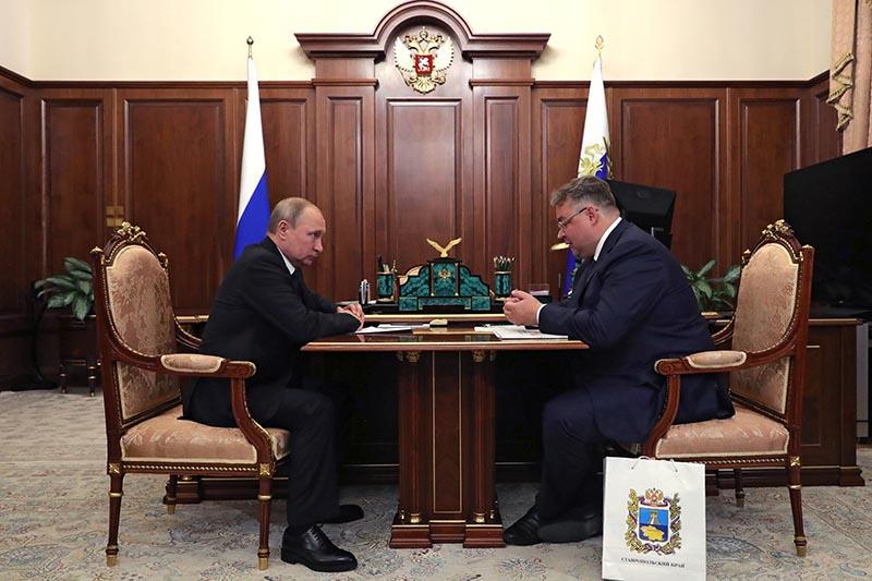 Владимир Путин и губернатор Ставропольского края Владимир Владимиров