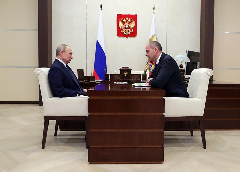 Владимир Путин и врио губернатора Оренбургской области Денис Паслер