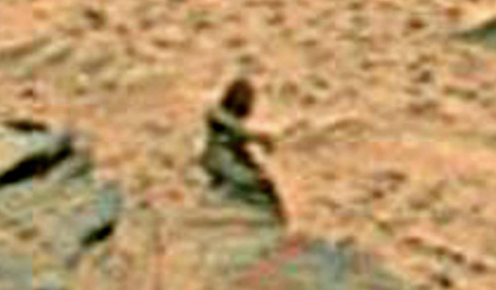 Скульптуры людей на Марсе