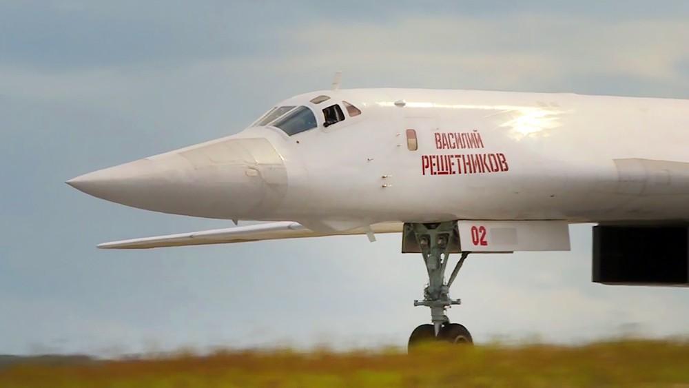 Бомбардировщик-ракетоносец Ту-160 Василий Решетников