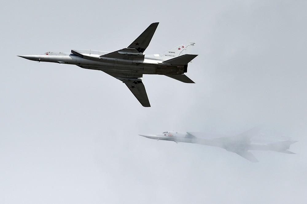 Бомбардировщики-ракетоносецы Ту-160