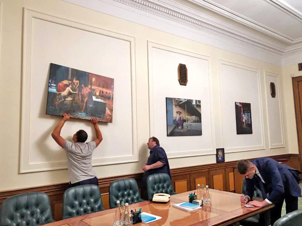 Картины президентского офиса Владимира Зеленского