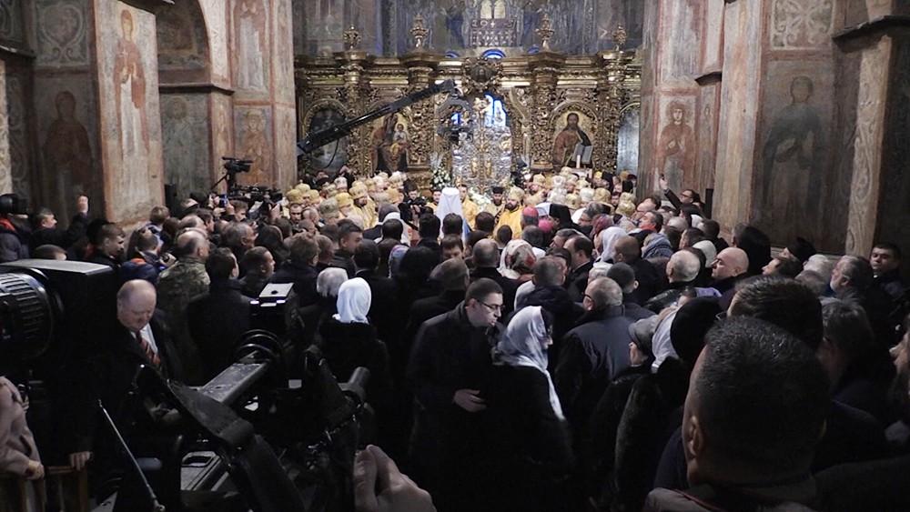 Прихожане новой Украинской церкви